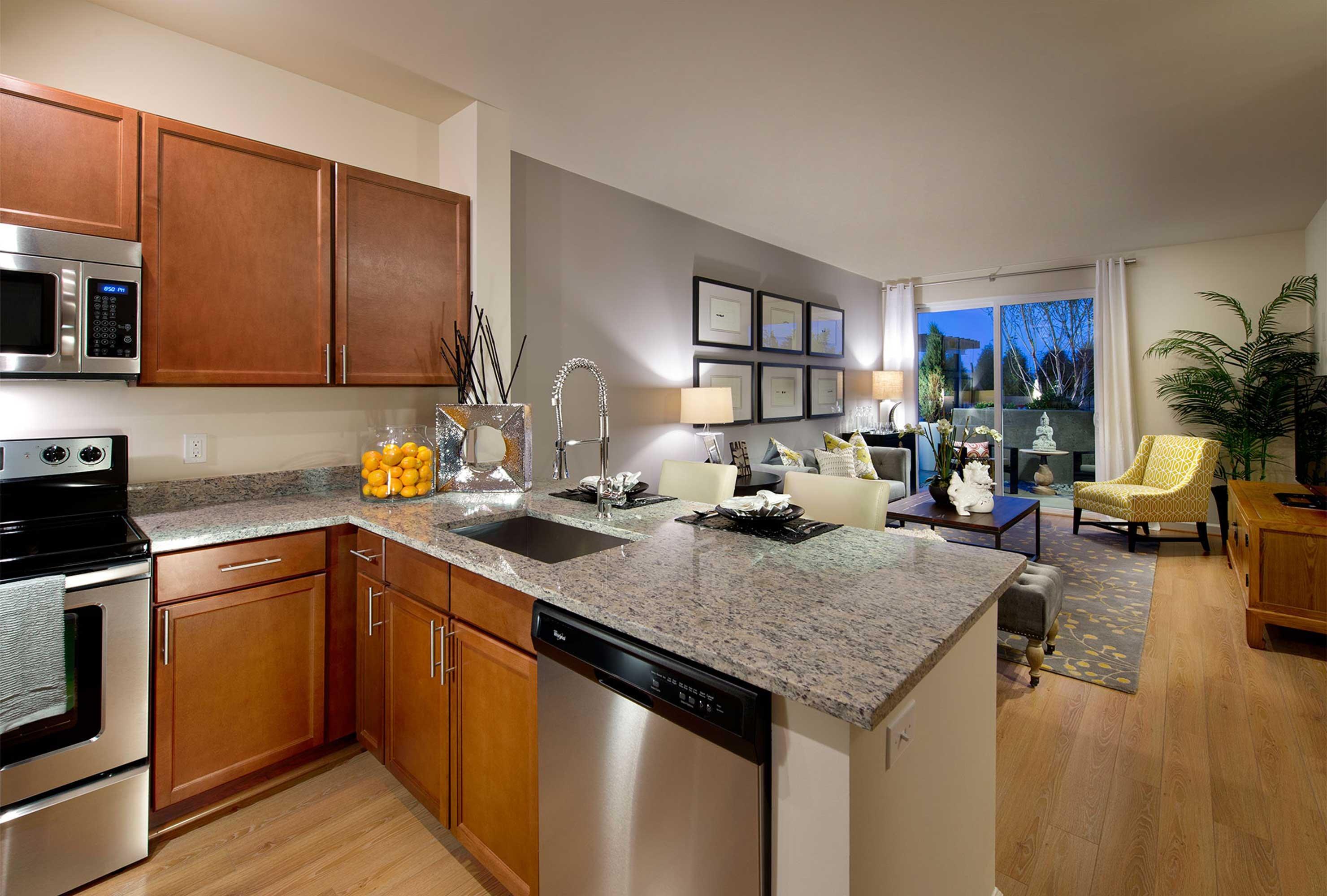 aboutus_experience_kitchen.jpg